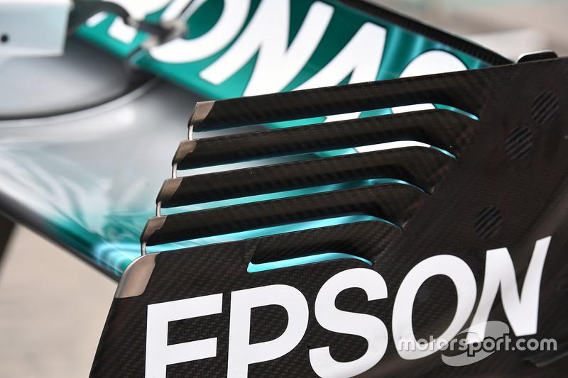 Detalle del alerón trasero del W08 de Mercedes-Benz F1