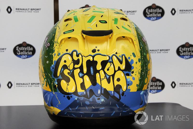 El casco de Carlos Sainz Jr., Renault Sport F1 Team, diseñado por Shock Maravillha