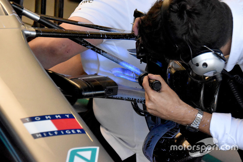 La suspension avant de la Mercedes AMG F1 W09