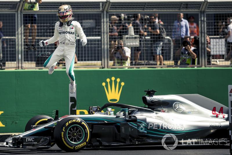 GP de Gran Bretaña: Hamilton vence a Vettel por 44 milésimas. Raikkonen, tercero a 98.
