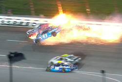 Crash: Aric Almirola, Richard Petty Motorsports, Ford; Joey Logano,Team Penske, Ford; Danica Patrick, Stewart-Haas Racing, Ford (Screenshot)