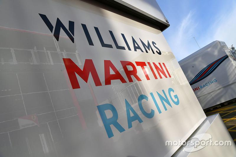 Williams trucks, logo