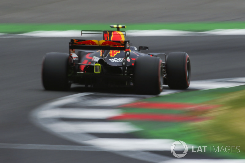 Funkenflug: Max Verstappen, Red Bull Racing RB13
