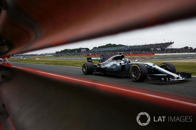 Валттері Боттас, Mercedes AMG F1 W08, Стоффель Вандорн, McLaren MCL32