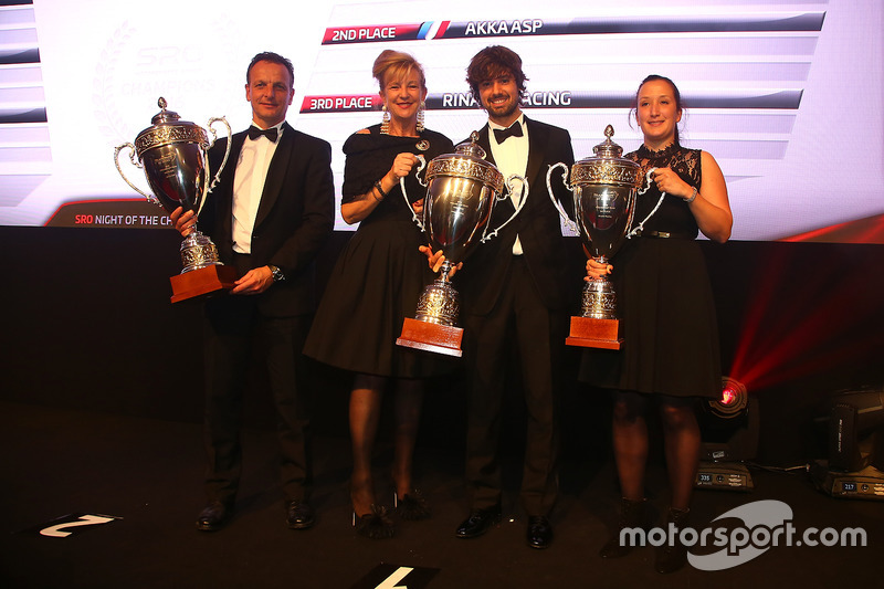 2016 Copa Pro-AM equipos, Kessel Racing, campeón, AKKA ASP, segundo lugar, Rinaldi Racing, tercer l