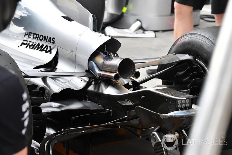 Mercedes-Benz F1 W08 Hybrid detalle del escape