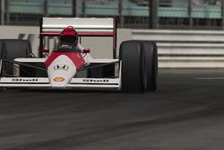 Une McLaren 1988 à Monaco, de nuit