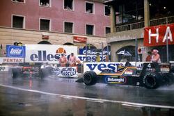 Stefan Bellof, Tyrrell 012-Ford, derrière Rene Arnoux et Ayrton Senna