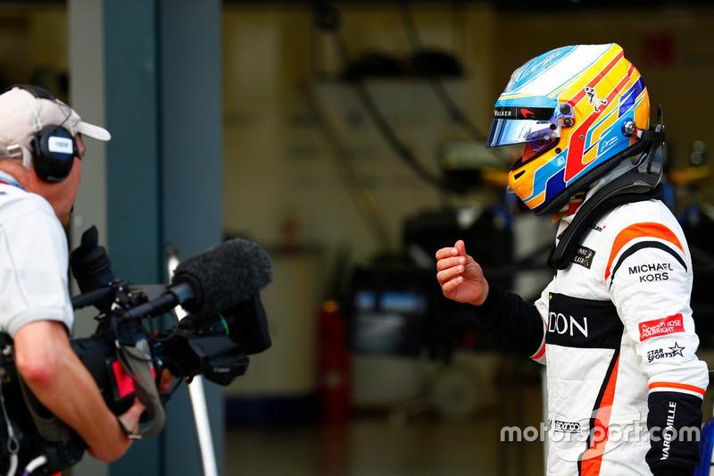 """Carrera en Australia: """"Mejor carrera de la vida"""" de Alonso... y primera decepción"""