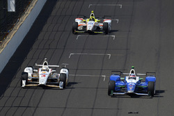 Helio Castroneves, Team Penske Chevrolet; Takuma Sato, Andretti Autosport Honda; Ed Jones, Dale Coyn