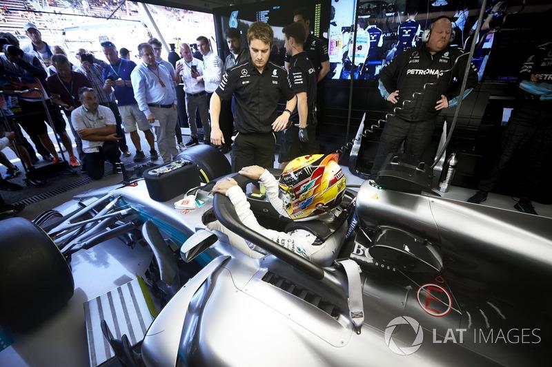 Lewis Hamilton, Mercedes AMG F1, with halo