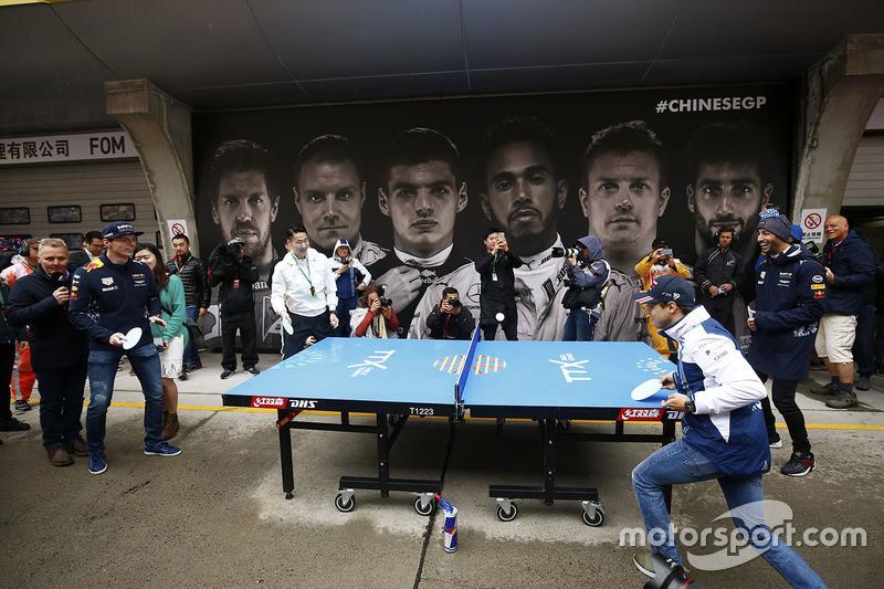 Felipe Massa, Williams, Daniel Ricciardo, Red Bull Racing, Max Verstappen, Red Bull Racing