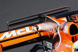 McLaren MCL32, rear wing