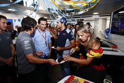 Fernando Alonso, McLaren, celebrates his birthday, Pedro de la Rosa and Carlos Sainz Jr., Scuderia Toro Rosso