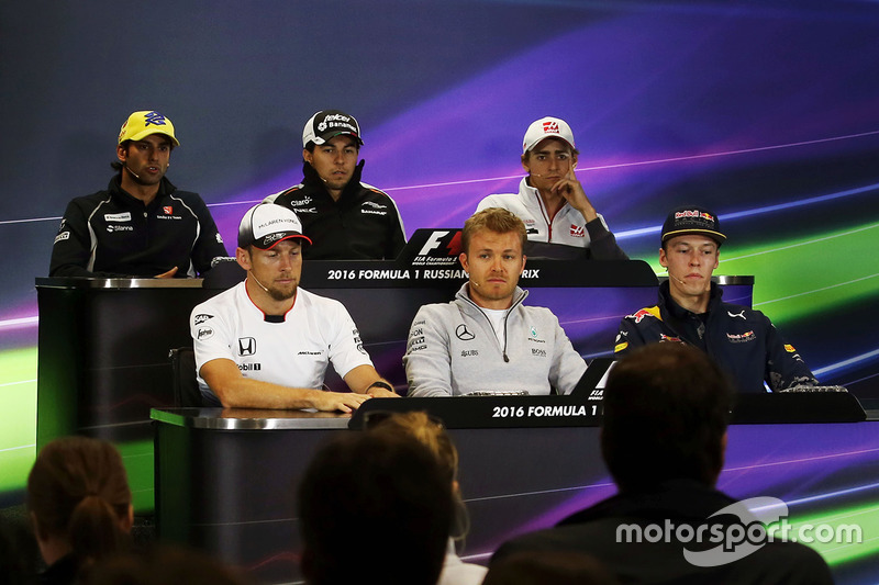 Conferencia de prensa: Felipe Nasr, Sauber, Sergio Pérez, Sahara Force India F1, Esteban Gutiérrez, Haas equipo de F1, Jenson Button, McLaren, Nico Rosberg, Mercedes AMG F1 Team y Daniil Kvyat, Red Bull Racing