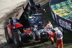 Эвакуация с трассы автомобиля VF-18 Ромена Грожана, Haas F1 Team