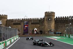 Lewis Hamilton, Mercedes AMG F1 W09, Valtteri Bottas, Mercedes AMG F1 W09