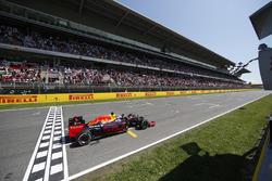 Damalı bayrak: Yarış galibi Max Verstappen, Red Bull Racing