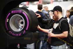 Le stand Pirelli