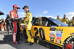 Matt Kenseth, Joe Gibbs Racing Toyota, Dale Earnhardt Jr., Hendrick Motorsports Chevrolet