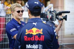 Marcus Ericsson, Sauber, Daniel Ricciardo, Red Bull Racing