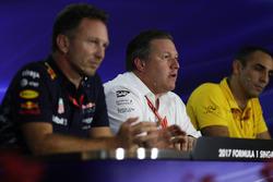 Christian Horner, Red Bull Racing Takım Patronu, Zak Brown, McLaren CEO, Cyril Abiteboul, Renault Sport F1 Managing Direktörü, basın toplantısında