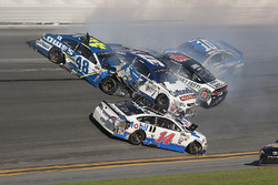 Jimmie Johnson, Hendrick Motorsports Chevrolet, Chris Buescher, JTG Daugherty Racing Chevrolet, Clint Bowyer, Stewart-Haas Racing Ford, Kevin Harvick, Stewart-Haas Racing Ford, Danica Patrick, Stewart-Haas Racing Ford, are involved in an on-track incident
