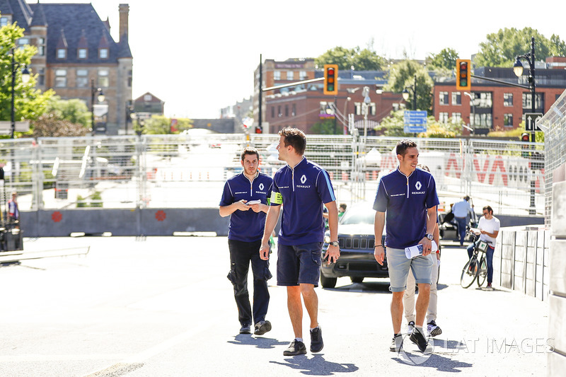 Sébastien Buemi, Renault e.Dams, camina en la pista