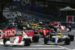 Ayrton Senna, McLaren MP4/7A; Riccardo Patrese, Williams FW14B