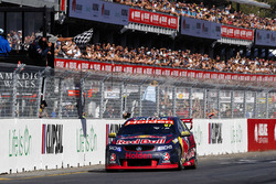 Sieger Shane van Gisbergen, Triple Eight Race Engineering, Holden