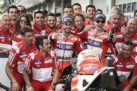 Андреа Довіціозо, Ducati Team, Хорхе Лоренсо, Ducati Team, з командою