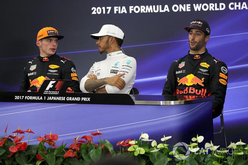 Max Verstappen, Red Bull Racing, Lewis Hamilton, Mercedes AMG F1 and Daniel Ricciardo, Red Bull Racing