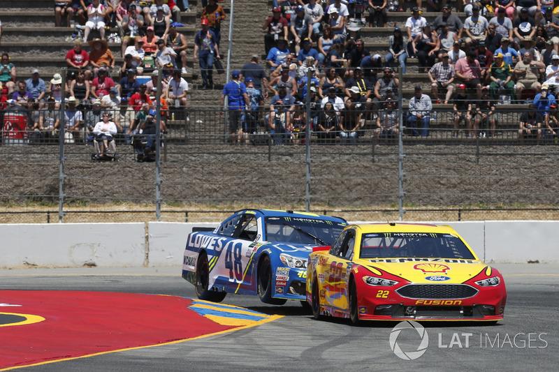 Joey Logano, Team Penske Ford Jimmie Johnson, Hendrick Motorsports Chevrolet