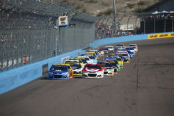 Départ: Alex Bowman, Hendrick Motorsports Chevrolet, Kyle Larson, Chip Ganassi Racing Chevrolet lead