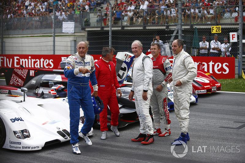 Hans-Joachim Stuck, Jean Alesi, Helmut Markko, Consultant, Red Bull Racing, Tom Kristensen and Gerhard Berger for the Legends Parade