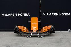McLaren MCL32 front wing