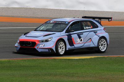 Тесты Hyundai i30N TCR в Валенсии
