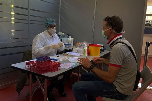 Test sierologico alla Alpha Tauri