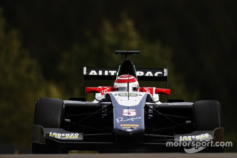 Pedro Piquet est entré dans le top 5 pour la première fois, avec le troisième chrono