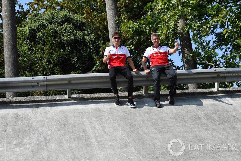 Charles Leclerc, Alfa Romeo Sauber F1 Team, Xevi Pujolar, Alfa Romeo Sauber F1 Team en el peralte de Monza