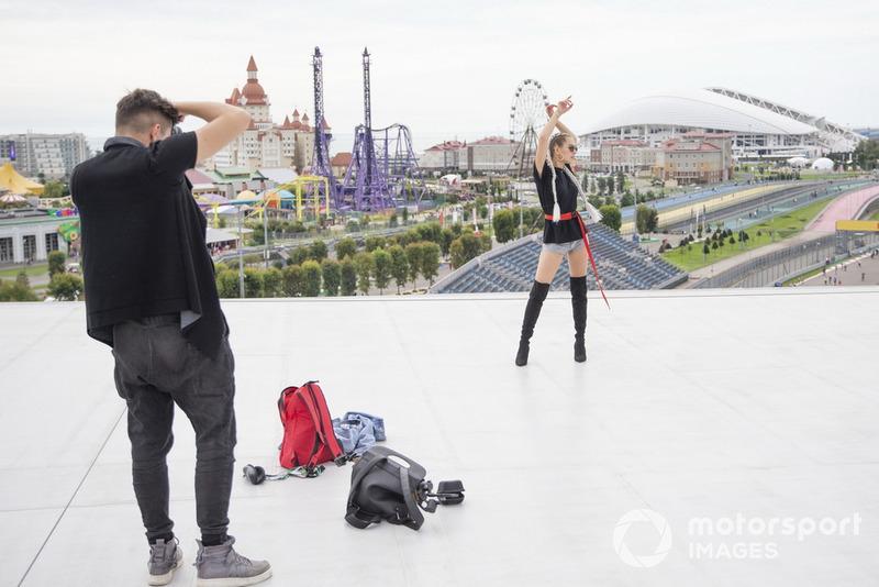 Гран При России: модель и блогер Ангела Николау и блогер Иван Кузнецов