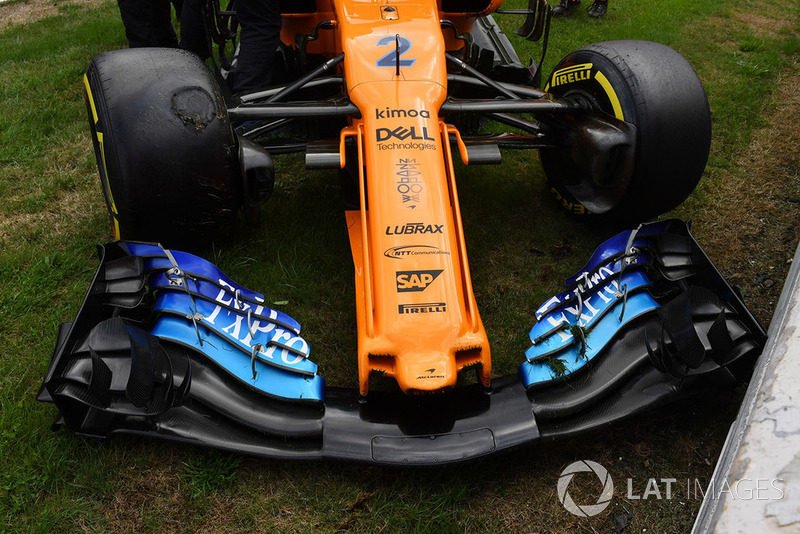 The car of Stoffel Vandoorne, McLaren MCL33 after crashing in FP3