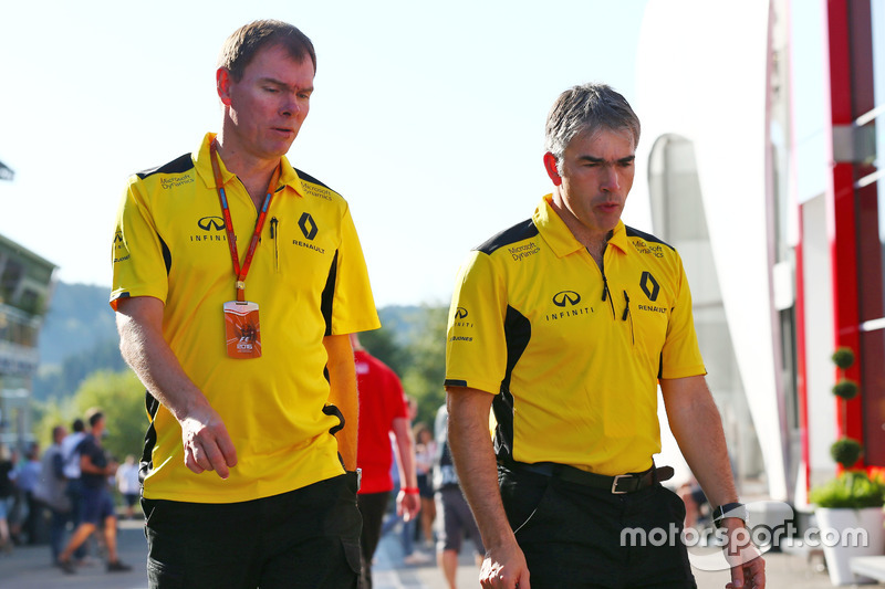 (L to R): Alan Permane, Renault Sport F1 Team Trackside Operations Director with Nick Chester, Renau