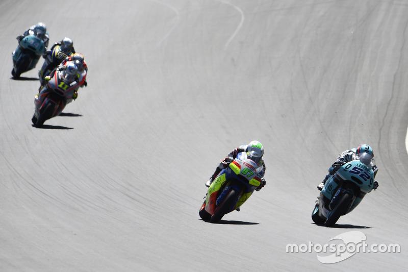 Danny Kent, Leopard Racing, Kalex; Remy Gardner, Tasca Racing Scuderia Moto2
