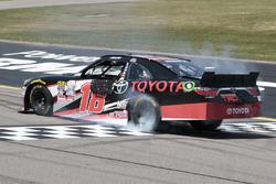 Ganador de la carrera Sam Hornish Jr., Joe Gibbs Racing Toyota