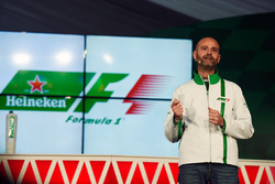 Джанлука ді Тондо, голова бренду HeHeineken, на оголошенні про спонсорську угоду з Heineken