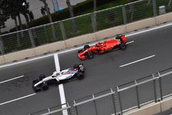 Лэнс Стролл, Williams FW41, и Кими Райкконен, Ferrari SF71H