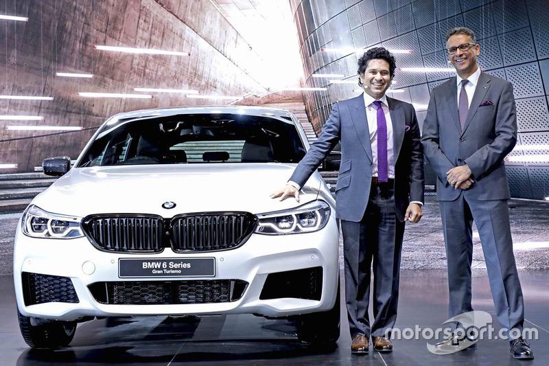 Sachin Tendulkar with the BMW 6 series Gran Turismo