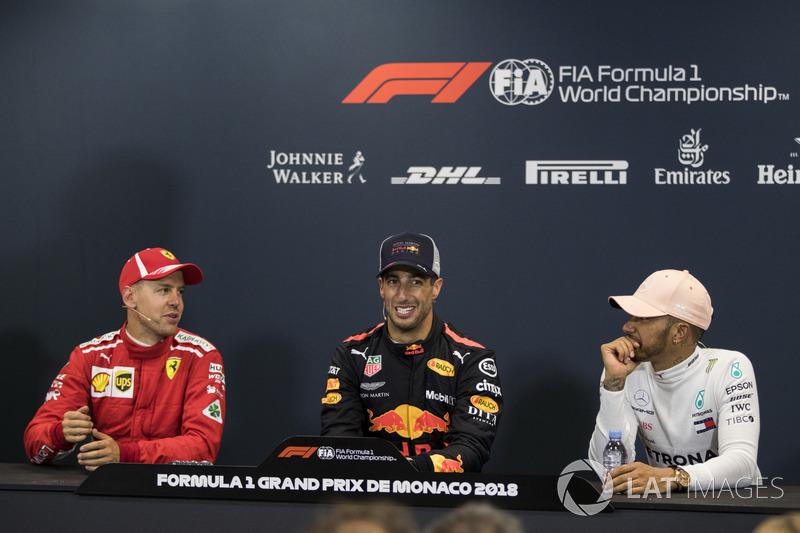 Sebastian Vettel, Ferrari, Daniel Ricciardo, Red Bull Racing y Lewis Hamilton, Mercedes-AMG F1 en la Conferencia de prensa
