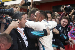 Lewis Hamilton, Mercedes AMG F1 W09, 1st position, celebrates with his team on arrival in Parc Ferme